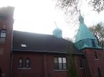 """Ця стара православна церква в районі Гамбольд Парку (декілька вулиць на північний-захід від """"Українського села"""") відійшла в житловий фонд міста і сьогодні заселена здебільшого латиноамериканцями."""
